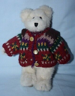 Boyds Bear: Male, Jointed with ribbon 'bowtie' & cardigan