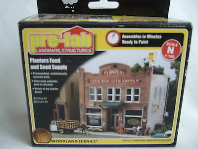 Pre-Fab Woodland Scenics Planters Feed and Seed Supply Building N scale.