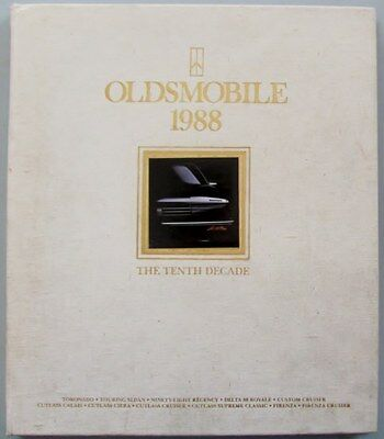 1988 Oldsmobile Dealer's Literature Portfolio