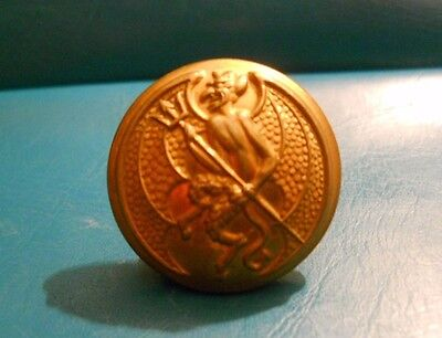 Officers Gilt Uniform Button . Inns Of Court Yeomanry Regt.