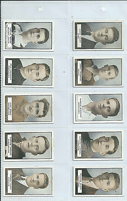 Full set of 100 Gallaher Famous Footballers (green back) issued in 1925