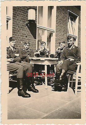 Photo soldat allemand Luftwaffe bière guerre WW2