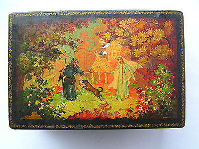 VINTAGE  RUSSIAN LACQUER BOX HOLYU lackey HAND PAINTED 1957