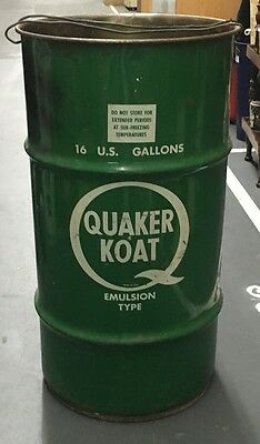 NICE 1960's VINTAGE QUAKER KOAT 16 GALLON OIL METAL CAN