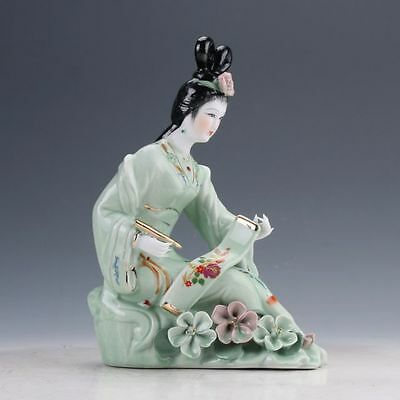 Chinese Famille Rose Porcelain Hand Painted Beautiful Gril Statue D820