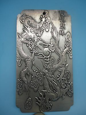 China Old Tibet Silver Handwork Carved Dragon Auspicious Amulet Pendant