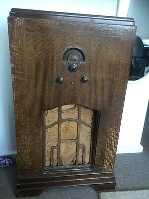 Antique Hollingsworth AM Only Radio, In Working Order, Original Condition .
