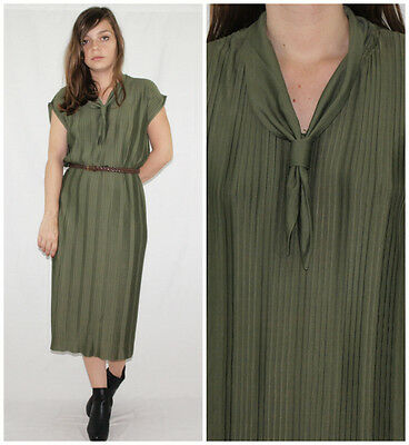 Vntage 70´s SAILOR COLLAR dress ULTRA PLEATED olive green PIN-UP made in England