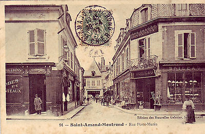 "Cpa  St Amand Montrond "" Rue Porte Mutin ""   Animee"