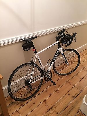 Giant Defy 4 Racing Road Bike