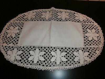 """PRETTY VINTAGE OFF WHITE COTTON with WIDE LACE EDGES OVAL TABLE CENTER~16"""" x 11"""""""