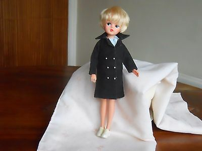 Excellent 1980's Party Girl Sindy With Full Vintage Clothes