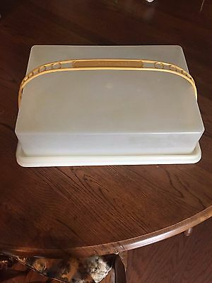 Tupperware Sheet Cake Carrier with Lid, Handle Yellow White Rectangle Vintage