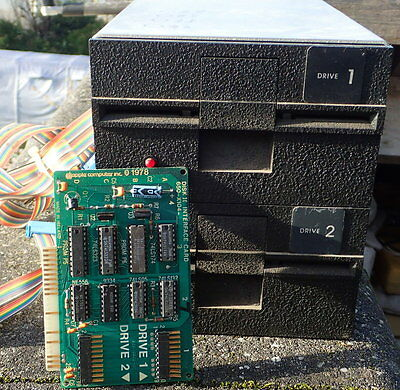 COUPLE of VINTAGE APPLE II FLOPPY DRIVE [A2M0003] and CONTROLEUR CARD