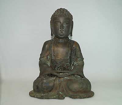 Magnificent Ming dynasty Chinese bronze figure of seated Buddha.
