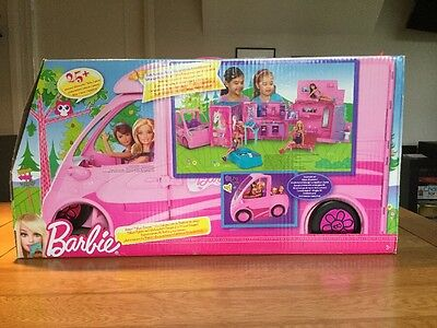 Barbie Sisters Deluxe Camper. Fully Furnished with 25 Pieces +.
