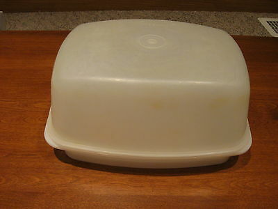TUPPERWARE vintage econo saver meat container for chicken, meatloaf, roast