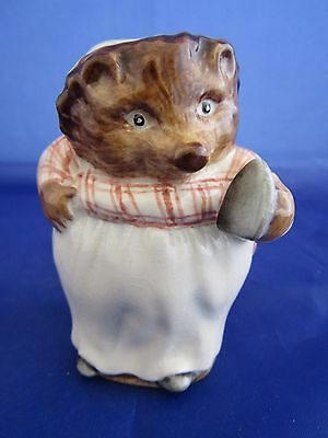 Beswick Beatrix Potter Figure MRS TIGGY-WINKLE  BP2 GOLD BACKSTAMP 1972 ONLY