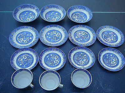 Lot 14 Pc Blue Willow Woods Ware England Cups Saucers Bowls Plates Vintage Mint