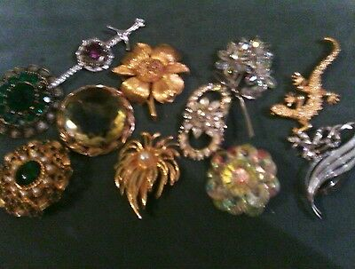 Joblot Vintage Costume Jewellery  12 Pretty Brooches