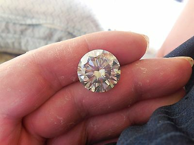 15.23 CT VVS1 16.16 mm Fiery White Ice Blue Color Round Cut Loose Moissanite