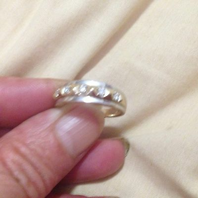 9ct Two Tone Gold Diamond Ring : Weighs 4 Grams!