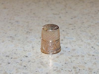 VINTAGE 14 k GOLD THIMBLE-SEWING THIMBLE-HAND ENGRAVED LMD