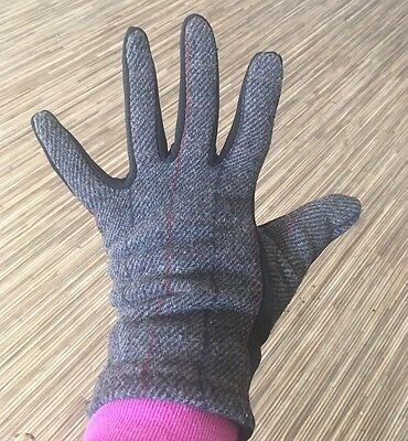 Women's Weatherproof Black / Gray Gloves Size M with Phone Ready Fingertips