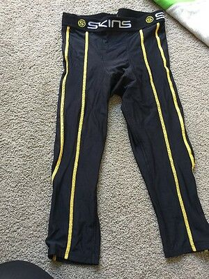 Skins Compression Tights 3/4 Length Size Small