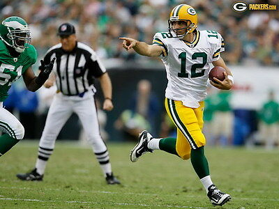"039 Aaron Rodgers - Green Bay Packers NFL Player 32""x24"" Poster"
