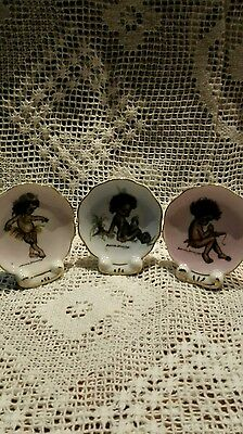 Vintage Retro Brownie Downing Miniature Plate with Stand x 3