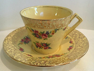 Royal Winton Grimwades Yellow Floral Duo 4698 from 1930s