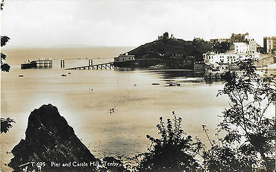 RP Card TENBY PIER & CASTLE HILL - E.T.W. Dennis & Sons Card - Posted 1933