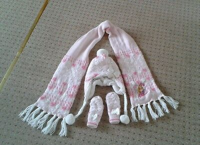 Girls Disney Princess hat and scarf & mittens set age 7-10 years