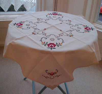 Vintage Small Cross stitch Tablecloth Crochet Lace Inserts matching Napkins