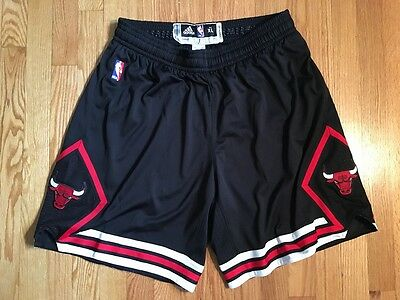 Derrick Rose game worn Chicago Bulls black shorts, size XL+0