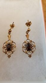 9CT Yellow Gold Ruby Ornate Vintage Earrings