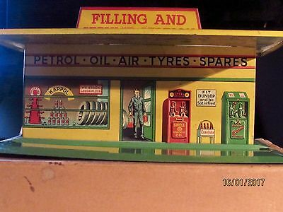 Dinky Toys No. 48 Petrol Station in Original Box-EXCELLENT CONDITION-Green-Rare.