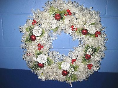"""Vintage 20"""" White And Red Plastic Christmas Wreath"""