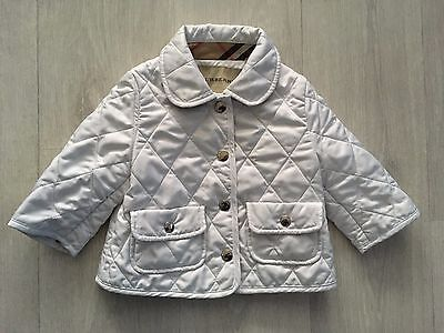 Superbe manteau blanc Burberry Taille 6 Mois comme neuf