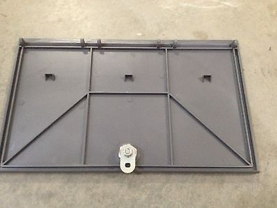 Vendstar 3000 machine back door with lock and key