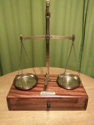 Fine Set Of Vintage scale DE GRAVE SHORT bought out by AVERY early,1920s