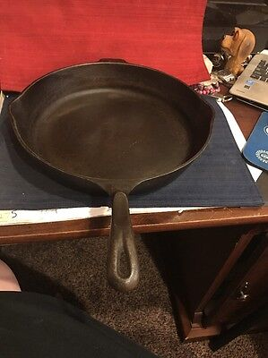 Cast Iron Wagner Skillet #12 Very Nice Great Condition