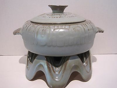 """Frankoma Mayan Aztec Prairie Green Large Covered Casserole 10"""" w Warming Stand"""