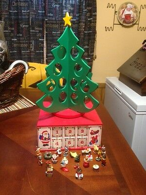 Countdown to Christmas Rare Wood Musical Box with Doors & Tree.