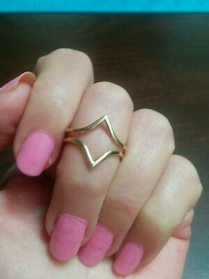Stunningly different! 9ct gold dress ring size O