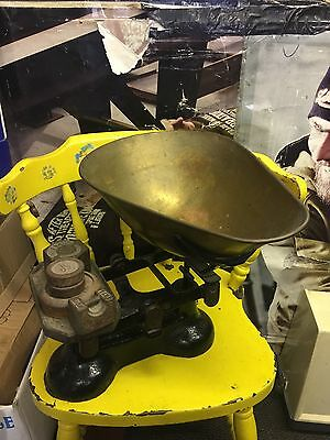 Vintage Large 14Lb Balance Cast Iron & Brass Kitchen Weighing Scales & 5 Weights