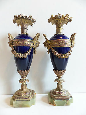 SUPERB PAIR of ANTIQUE FRENCH PORCELAIN, BRONZE & ONYX URNS CASSOLETTES c.1880's