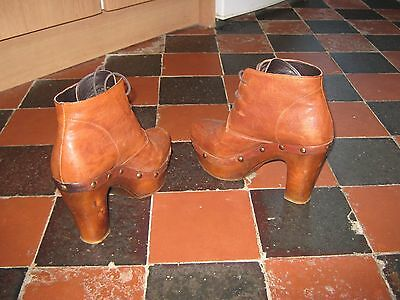 Carvela Ladies Brown Leather Boots size 39 (UK 6 and 7)