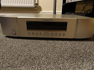 Silver Marantz ST6003 AM/FM Tuner with Qued Quenex interconnects